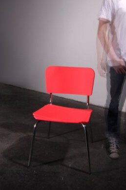 hyperactive chair with short leg adhd hyperaktiver adhs stuhl kippeligen beinen aus der graf seibert psycho furniture collection