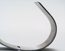 SUICIDE Bangle for single use with break-off blade stainless steel
